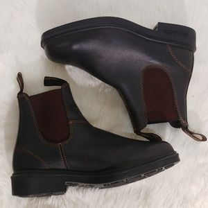 Blundstonepull on Chelsea Boots size us 8